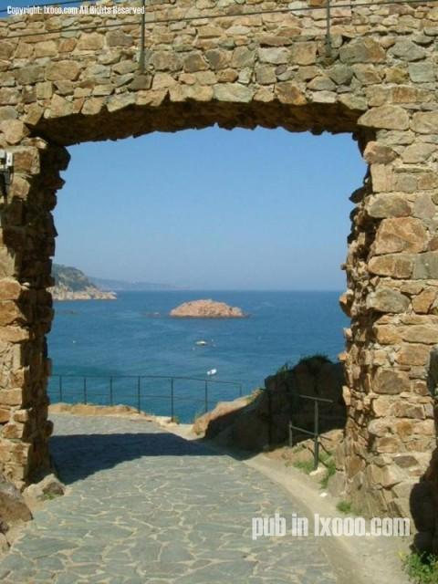 海边的城墙