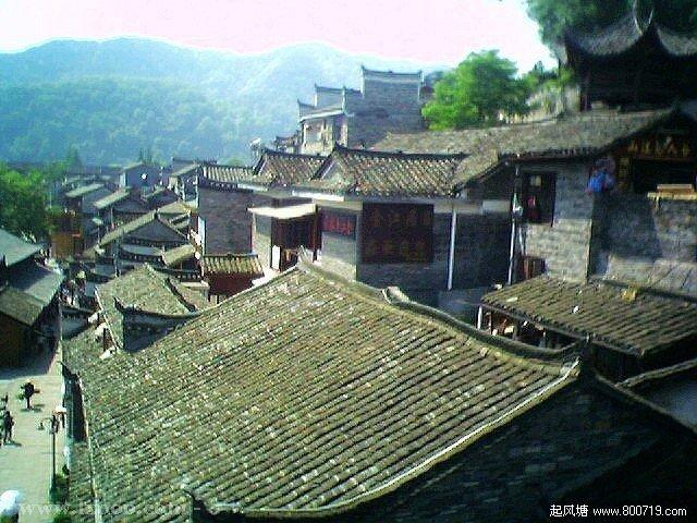 边镇的屋顶 湘西凤凰