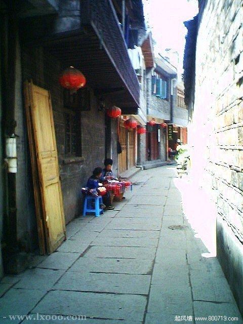 边镇的小巷 湘西凤凰