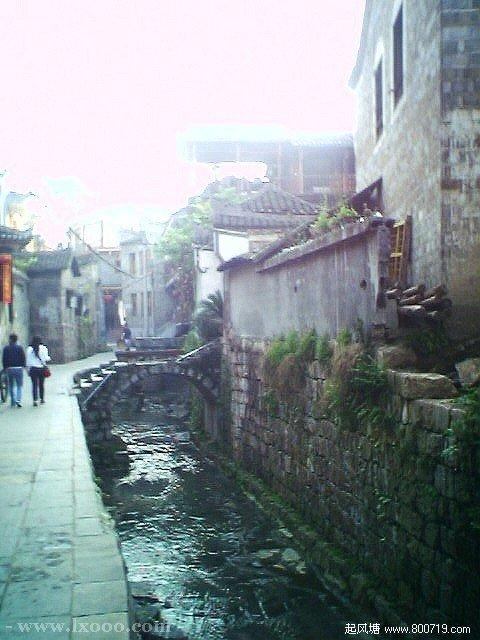 古镇小巷里的小桥流水人家 湘西凤凰
