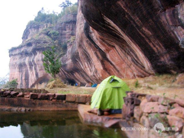 五仙岩的营地