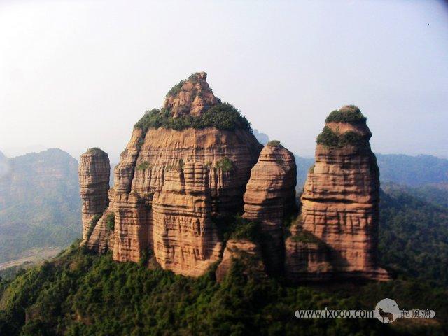 巴寨上看茶壶峰全景