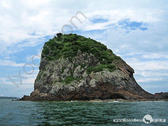 漂泊与南中国海的一座无人小岛:鸡心山