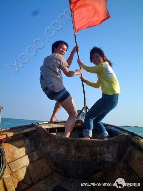 渔船让我们想到加勒比海盗,快艇则让人兴奋、奔迈…