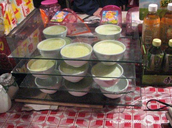 莫家街-第一个档口酸奶