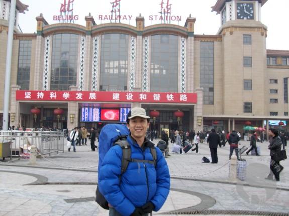 北京站前的摩(M.Chan)