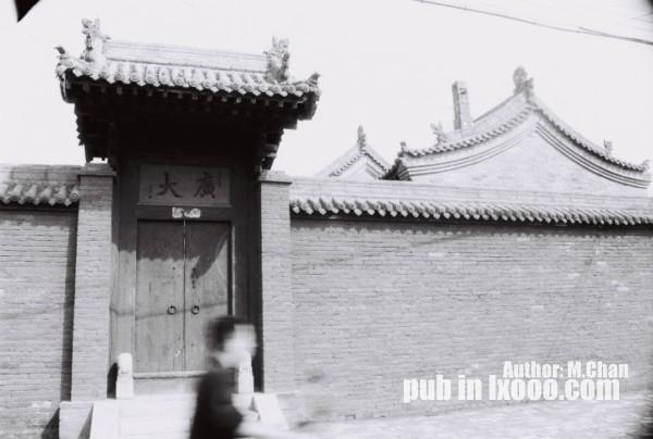平遥古城里四合院的老式大门