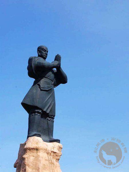 嵩山少林寺僧侣石像