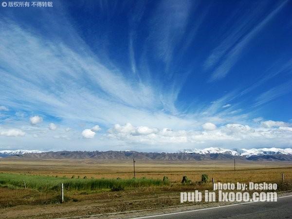 蓝天白云和雪山·青海湖