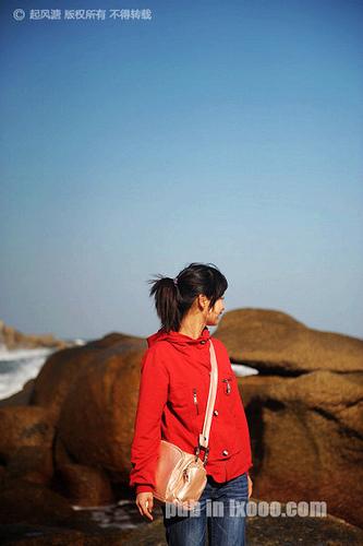 红海湾遮浪半岛观音山上留影的JOJO