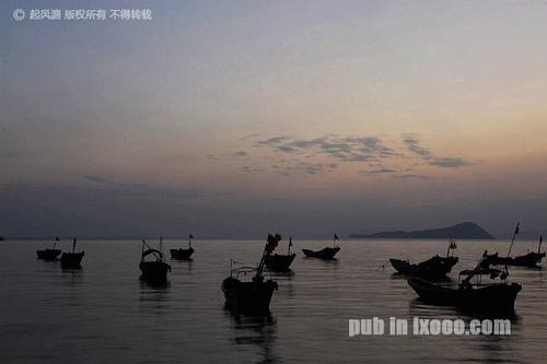 日落后,鲘门渔港的船舶@红海湾