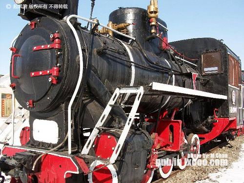 山河的蒸汽机小火车头