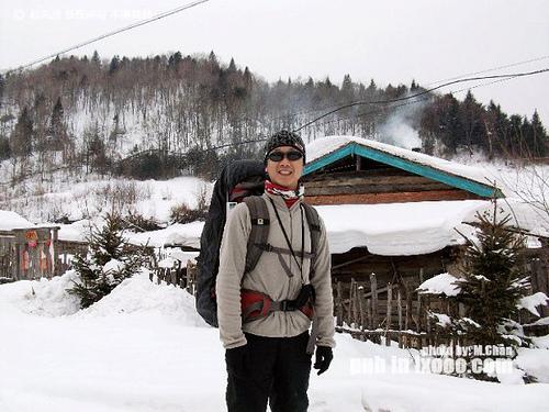 雪乡东升农场留影的摩凝(M.Chan)