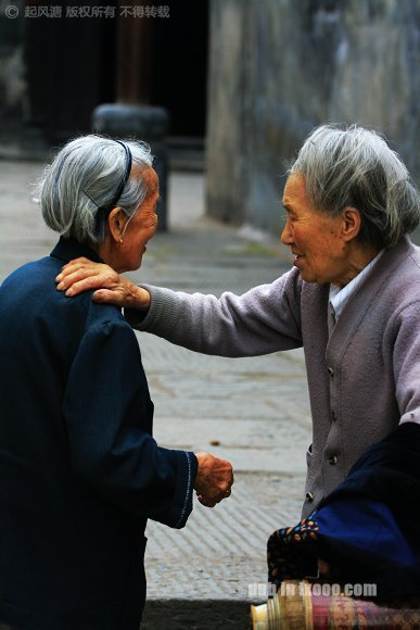 洪江古商城的两位婆婆