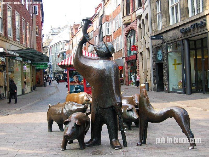 不莱梅的音乐家 铜雕像