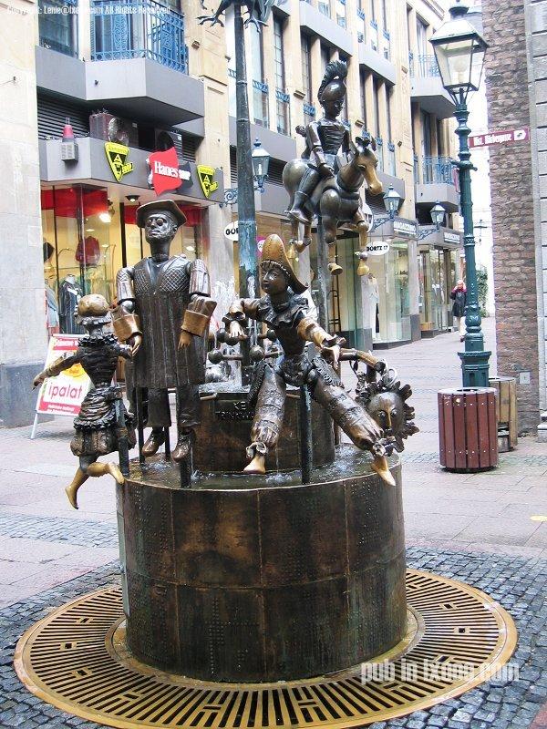 亚琛 铜雕像 照片