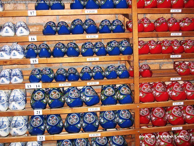 赞斯堡 赞斯安斯 木鞋 展柜