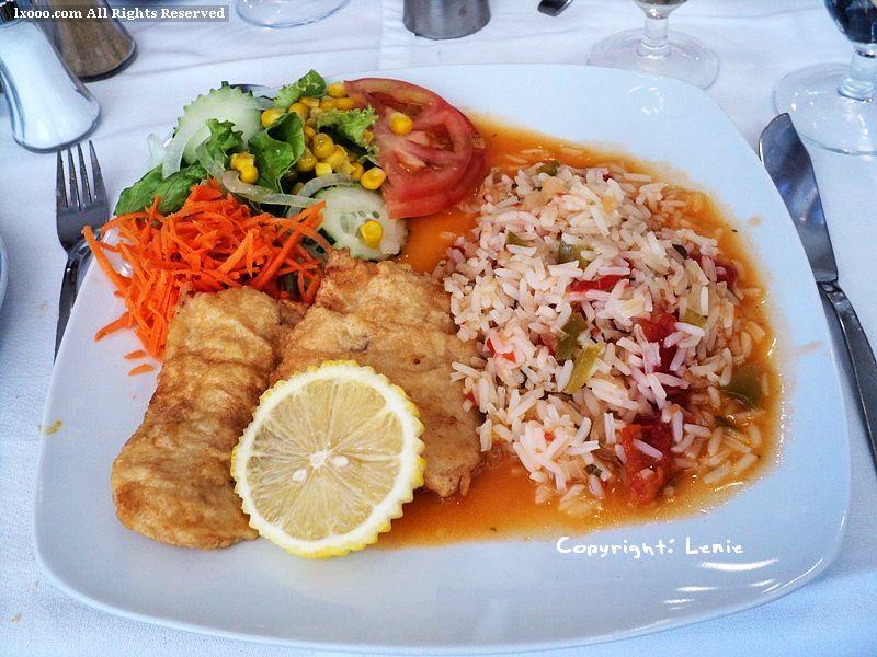 套餐 鱼 沙拉 炒饭