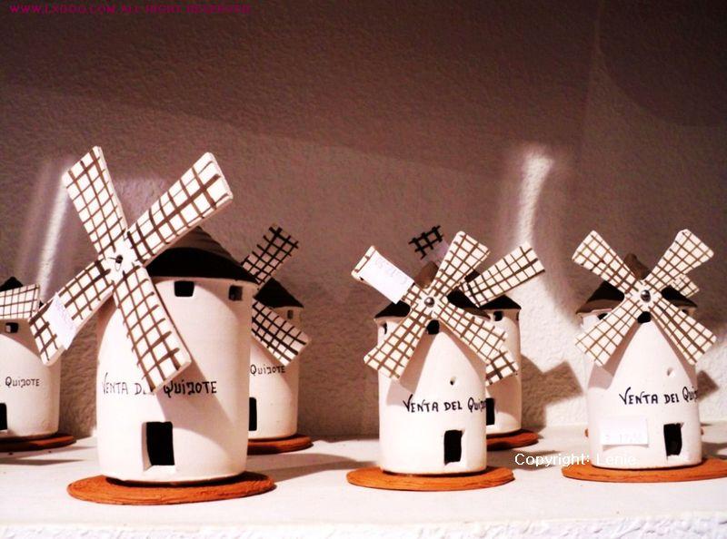 陶瓷摆设:西班牙风车