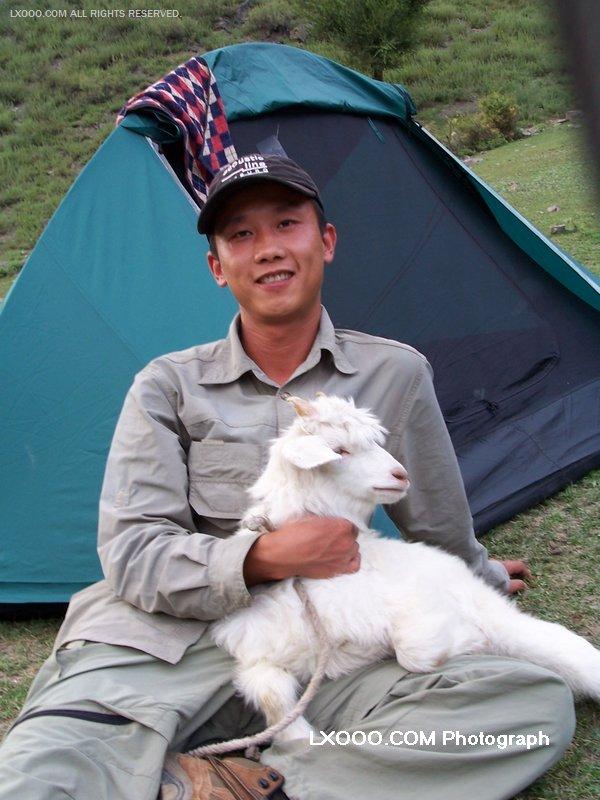 2005年七月,在新疆天山天池露营时留影
