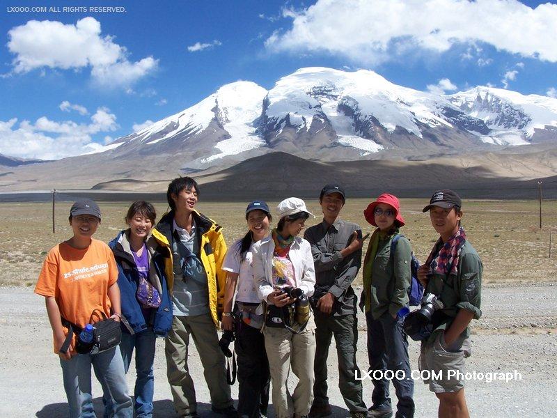 2005年八月,在新疆帕米尔高原塔什库尔干合影