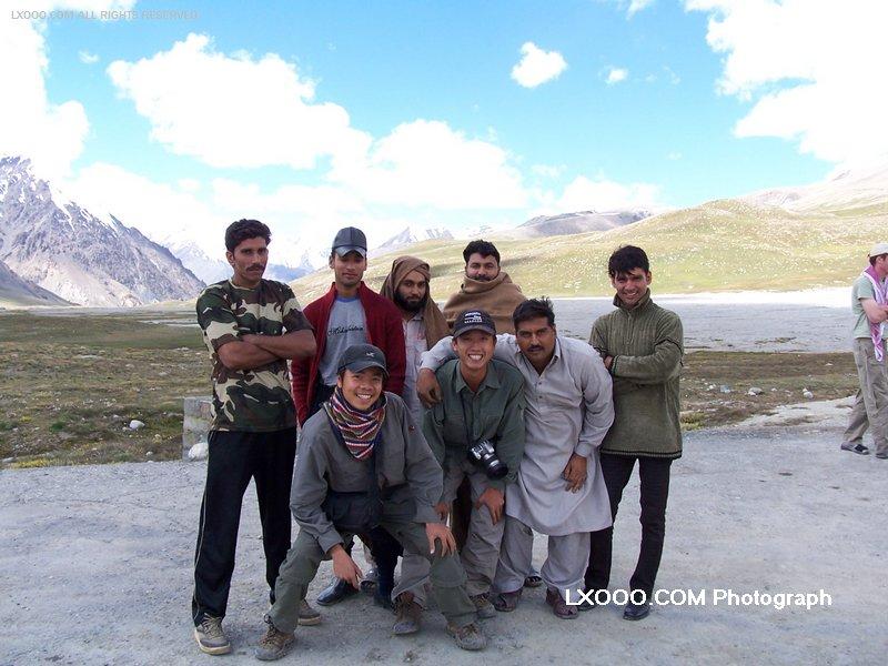2005年八月,在巴基斯坦边界留影