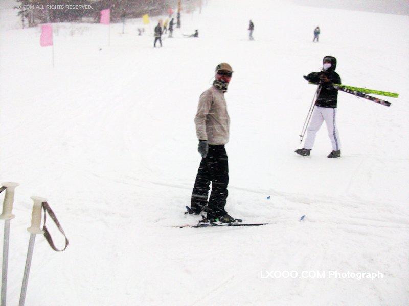 2009年二月,在雪乡双峰林场滑雪