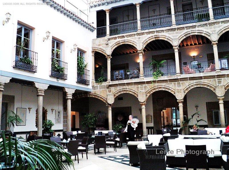 阿维拉旧皇宫改成的餐厅