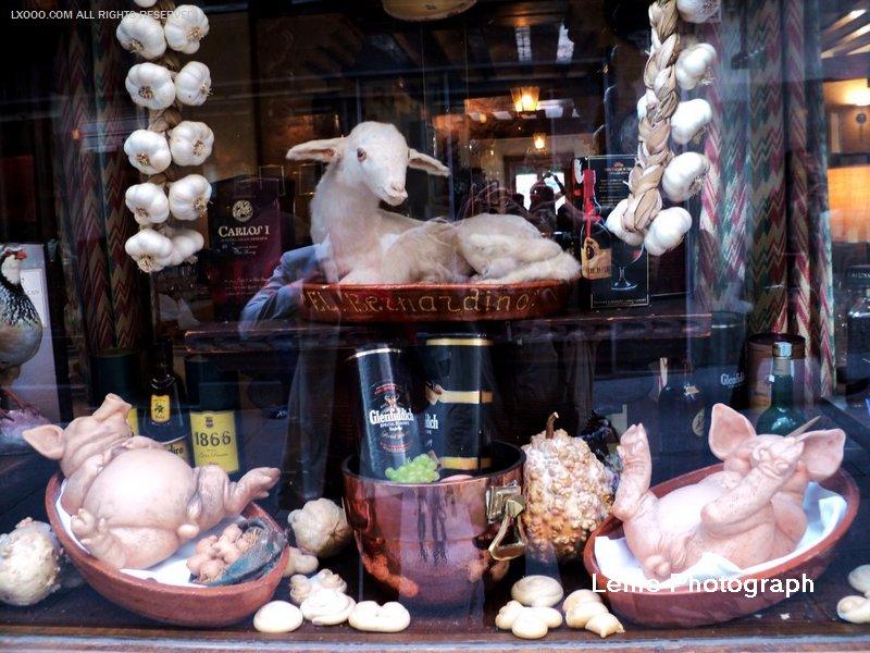 烤乳猪餐厅的橱窗