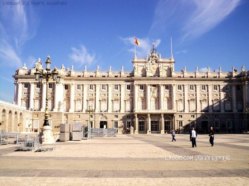 西班牙皇宫正面广场