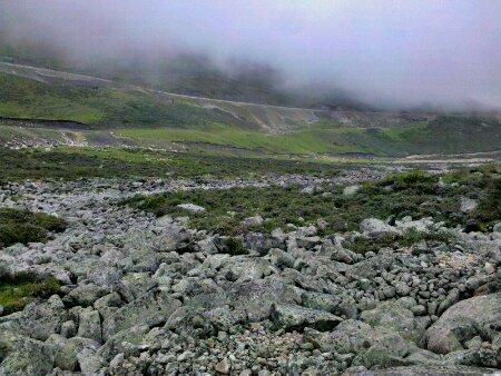 折多山上沿溪的石头路