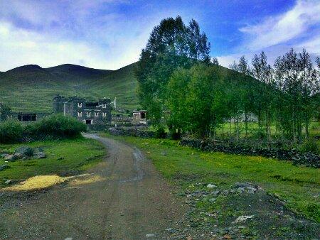 国道318:2895公里处的村子