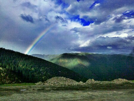 国道318川藏线119道班附近邂逅彩虹